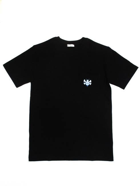 ディオールオム DIOR HOMME メンズ トップス Tシャツ 半袖 胸ポケットSTUSSYコラボ DIOR入りBEE刺繍付きコットンTシャツ ブラック 033J644A 0554 985