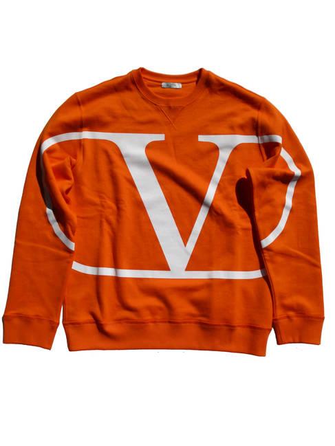 ヴァレンティノ(VALENTINO) メンズ トップス スウェット トレーナー ロゴ 前Vガゼット・VALENTINOビッグVロゴプリント付きスウェット バレンチノ バレンティノ ヴァレンチノ オレンジ UV3MF05H 5F7 26S