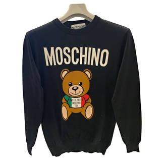 モスキーノ(MOSCHINO) メンズ トップス スウェット トレーナー ロゴ 2color MOSCHINO BEAR転写プリント付クルーネックスウェット ホワイト/ブラック ZPV1735 2027 1001/1555