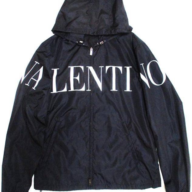 ヴァレンティノ(VALENTINO) メンズ アウター ジャケット コーチジャケット ロゴ VALENTINOビッグロゴプリント付コーチジャケット バレンティノ バレンチノ ヴァレンチノ 黒 UV3CI355 5AT NB4
