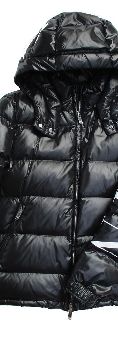 ヴァレンティノ(VALENTINO) メンズ アウター ダウン ジャケット ロゴ シレー加工(光沢加工)・ロゴ刻印ジップ・左側スリーブ部分VLTNロゴプリント付ダウンジャケット バレンチノ 黒 UV0CNA31 6SM 0NI