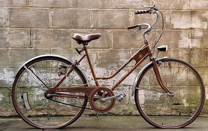 Vintage 3 speed AAU Estate cruiser bicyclecurrently unrestored. 48cm 5'1-5'3