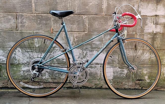 Vintage Raleigh Mixte 10 speed.  Restored. 60cm.