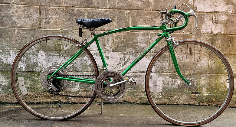Vintage 10 speed Schwinn Varsity currently unrestored. 44cm 5'3 and under