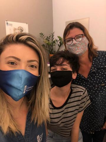 Quiropraxista Ana Clara e seus pacientes