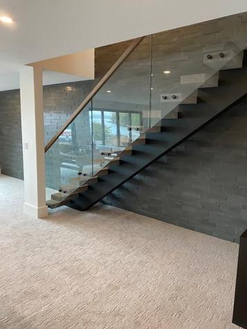 Open-Riser Staircase 15