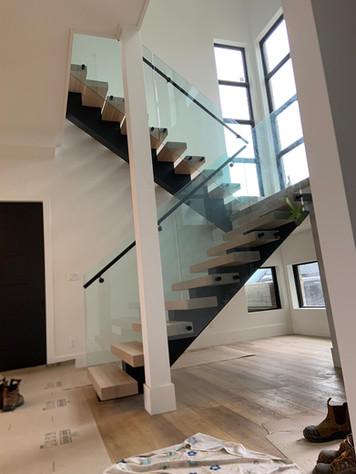 Open-Riser Staircase 13