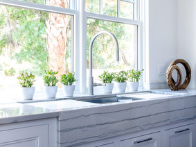Apron Front Sink is Dramatic in Palmetto Bluff Home