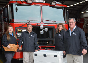 HOLIDAY MEALS DELIVERED TO THUNDERBOLT FIREFIGHTERS,