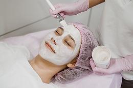 esthetician-beautician-facial-apply-face