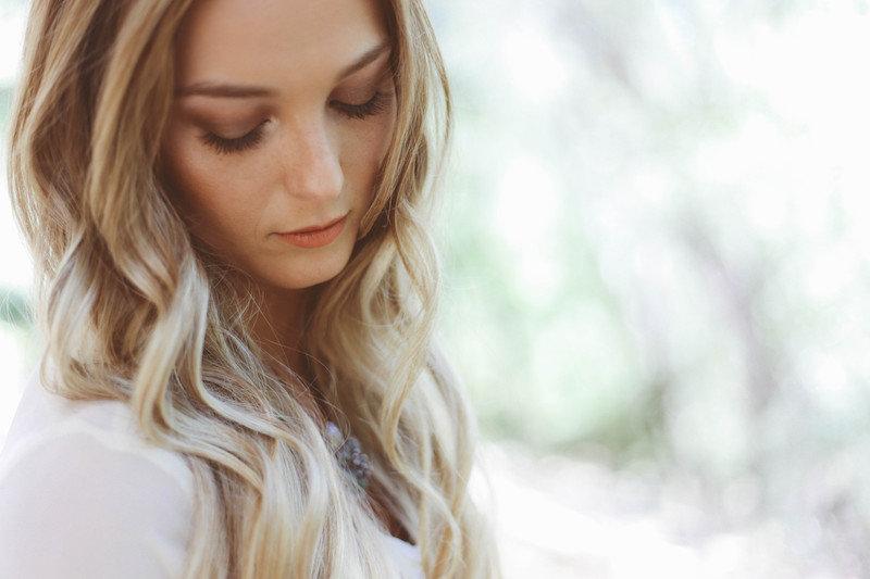 portrait-hair-beauty-lips-lipstick-eyes-woman-emotion-blonde-blow-dry-bar_t20_ZnXJ10.jpg