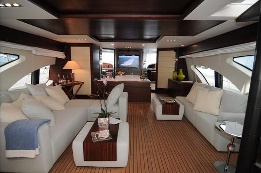 Main deck angle