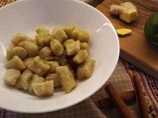 Gnocchi di patate con te matcha allo           zenzero, cannella e lime