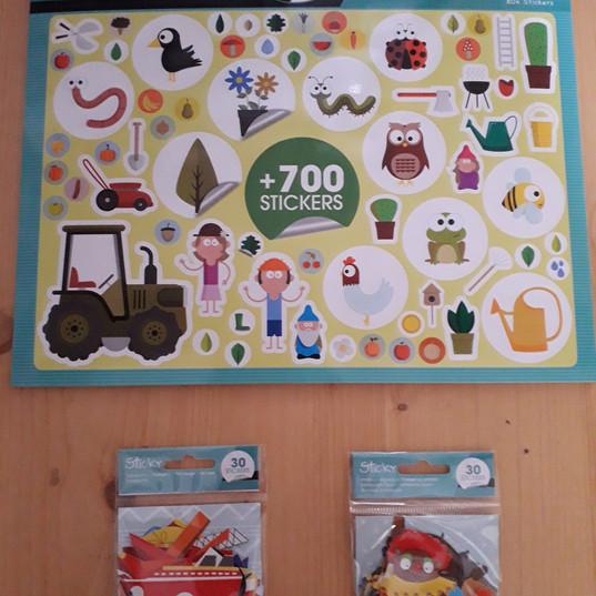 livre_de_stickers_enfants_et_pochettes_g