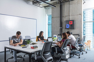 Serviced vs. traditional office: what's the difference?