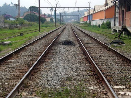 What is lacking for transport to get back on the tracks?