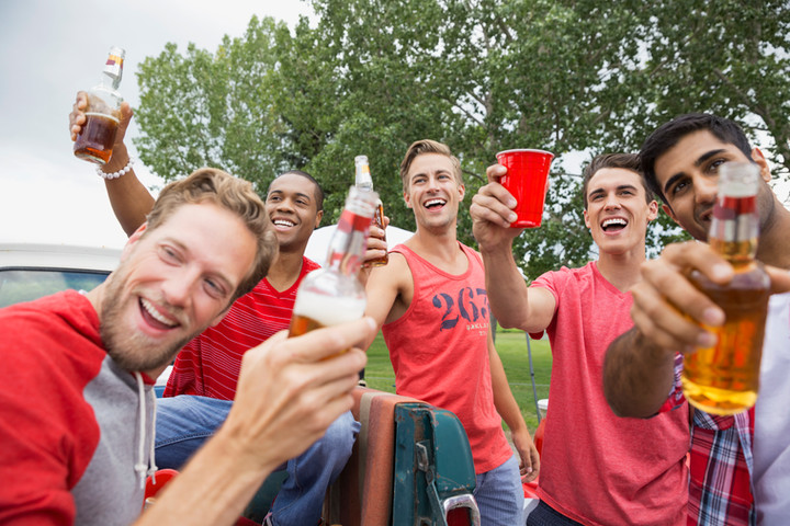 Is Alcohol During College Football Games Really a Good Idea?