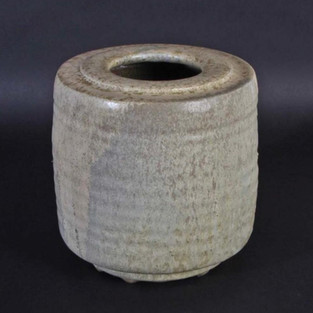 Rilled vase with rich gaze