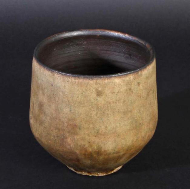 Early vase/bowl 1