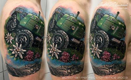 Traktor_tattoo_by_andre_zechmann.jpg