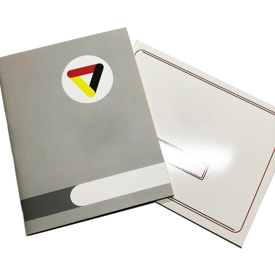 Cuadernos 2.jpg