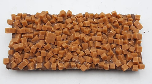 Reep chocolade met caramelblokjes