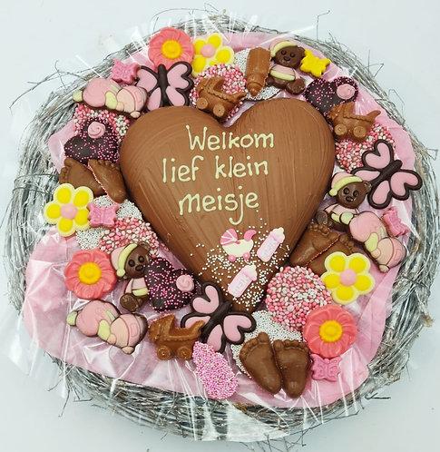 "Krans met chocoladehart ""Welkom lief klein meisje"""