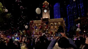 Countries around the world mark New Year