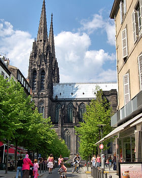 Place_victoire_clermont-ferrand.jpg
