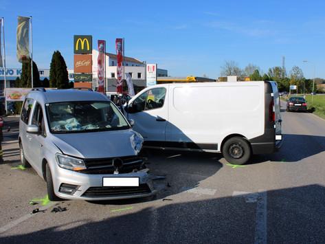 Verletzte Person bei Verkehrsunfall