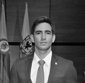Alberto Foto Profesional.png