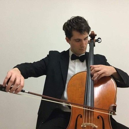 Cellist Thomas Lovasz