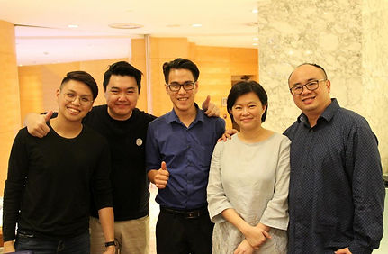UBSM Managing Director & Me Books Family  (From Left : Jeremy Lim (Me Books - Operation & Retail Manager), Hao Jin (Me Books - CEO), Dr. Chatichai Chong (Me Books - Director), Stephanie (UBSM- COO) and Keith Thong (UBSM - Managing Director).