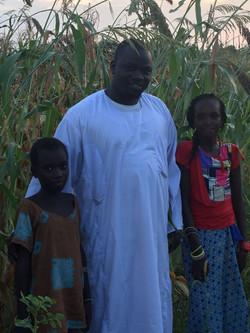 Cheikh Aliou Niass with the children