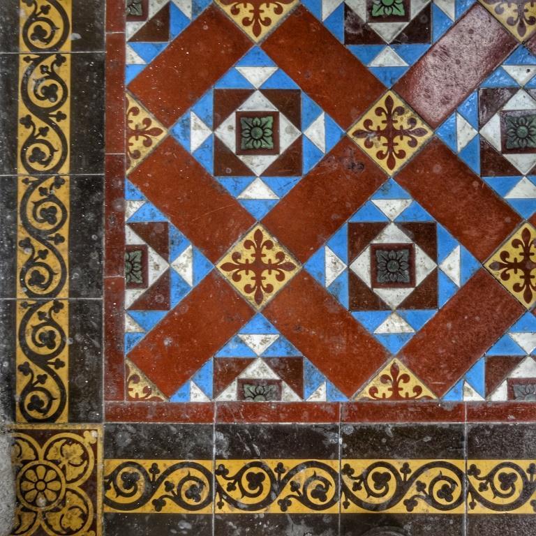 33. Tile detail