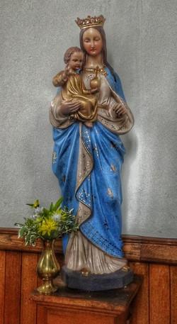 30. Statue detail