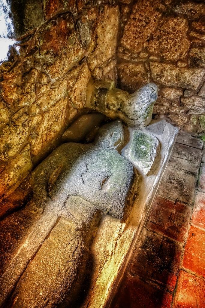 7. Tomb and effigy of John MacLeod of Minginish