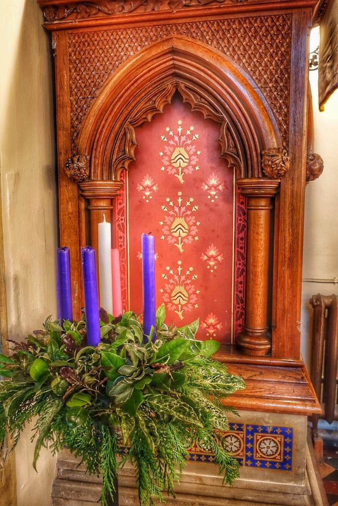 31. Pulpit detail