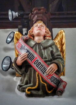 28. Angel corbel