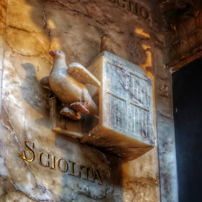 28. Sir John Suckling memorial detail
