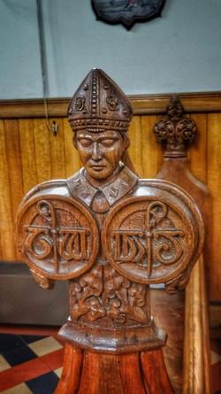 19. Bishop head bench detail