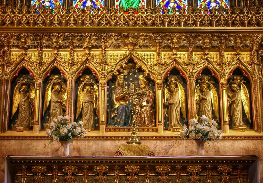 37. High alter & reredos
