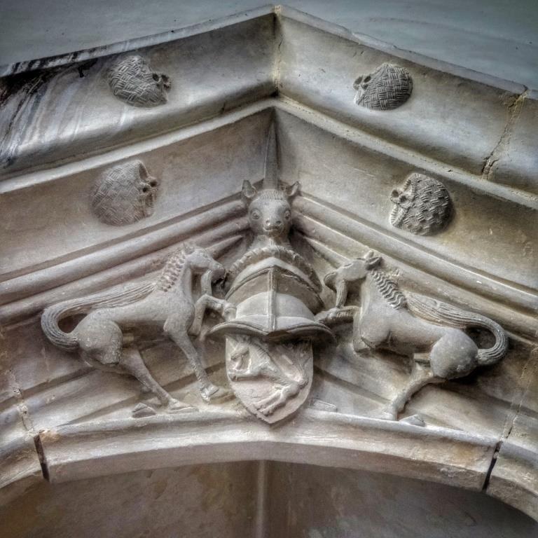 38. Harling tomb detail