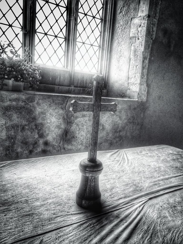 20. Altar detail