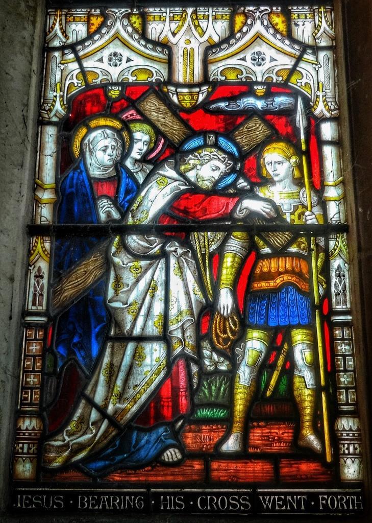 19. Clayton & Bell east window detail