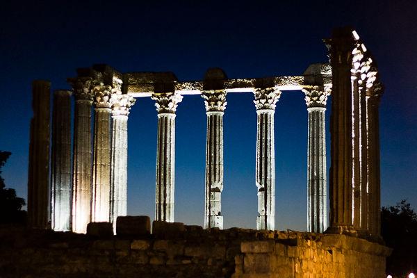 Evora_roman-temple_sunset.jpg