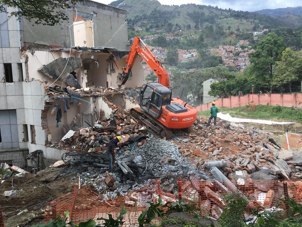 Foto: Demolición obra Centro Comercial La Central