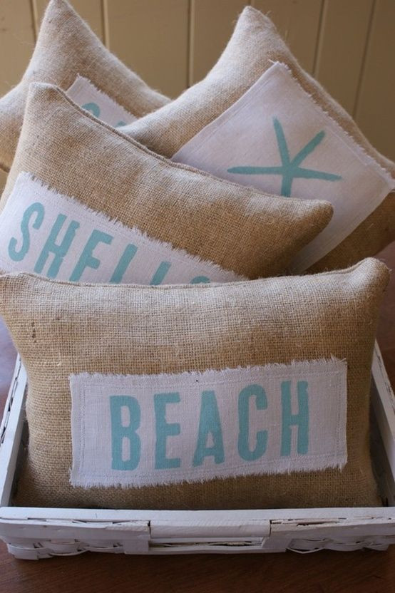 Summer vibe with pillows - Homefulness