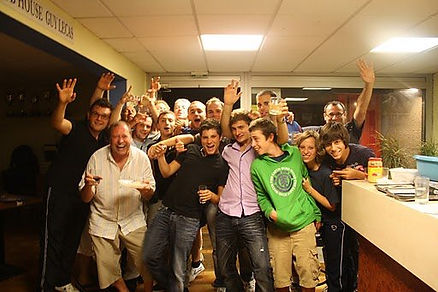 Loisirs et compétitions, un club le CAM Bordeaux tennis de table