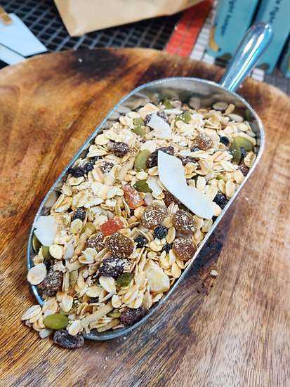 Natural Macadamia Granola with Apricots & Apples